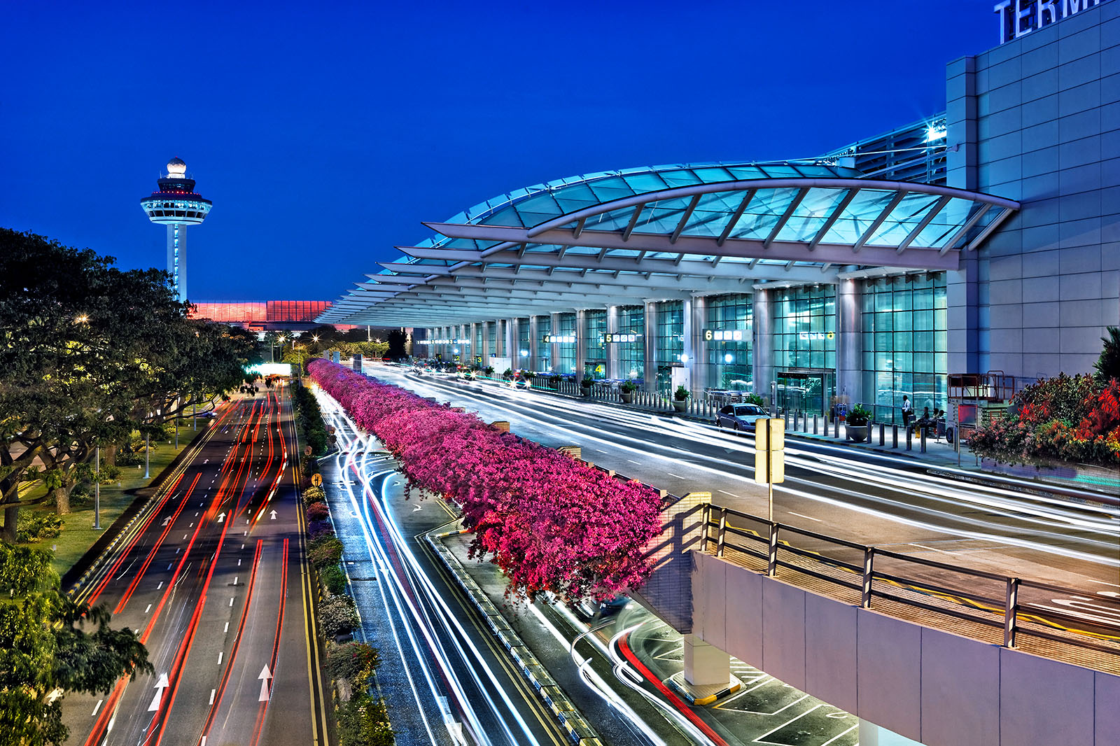 Architectural photography of Terminal 2 Singapore Changi International Airport. photo © Paul Dingman 2012. Paul Dingman is an architectural photographer based in Asia in China. He is an specialist in the photography of large scale projects including convention centers, mixed-use, and airports.