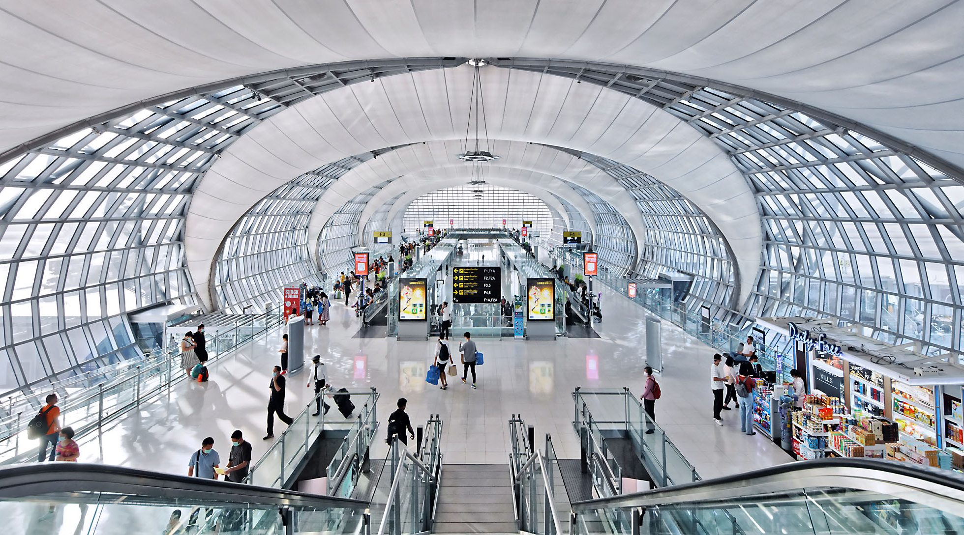 Paul Dingman is an expert in the architectural photography of airports.